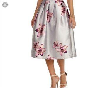 Brand new Windsor skirt size S